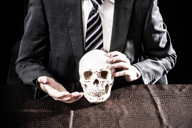 電動昇降デスクどれがいい?座りすぎのデスクワークは喫煙以上1.4倍の死亡リスク!
