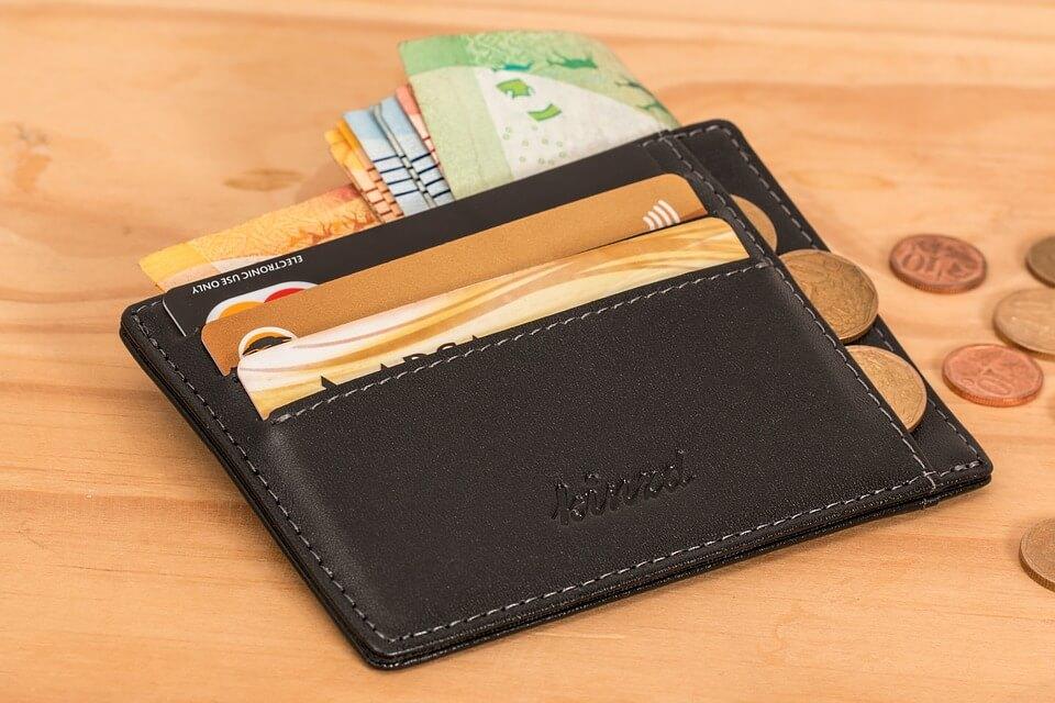 キャッシュレス化で人気急上昇!使いやすくておしゃれなミニ財布10選